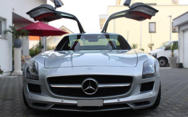 Mercedes-Benz SLS AMG – Sportwagen mit Flügel