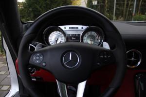 Mercedes-SLS-Tacho