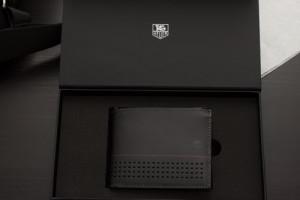 Tag-Heuer-Portemonnaie-Schwarz-Verpackung