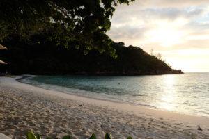 Four-Season-Seychellen-Beach-2