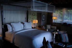 Four-Season-Seychellen-Villa-Room-Bed