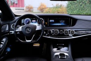 Mercedes-S500-Interior-Cockpit-2