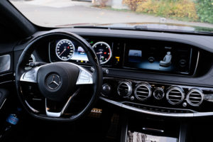 Mercedes-S500-Interior-Cockpit