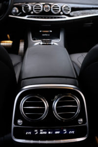 Mercedes-S500-Interior-Cockpit-Klima