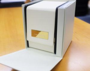 Carl-F-Bucherer-TravelTec-2-GMT-Verpackung-Leder