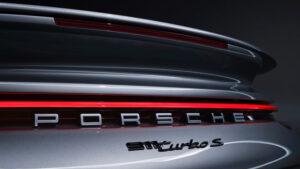 Porsche-911-Turbo-S-Emblem