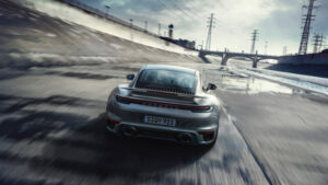 Porsche-911-TurboS-2020