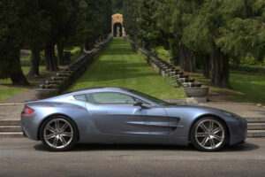 Aston-Martin-one-77-villa